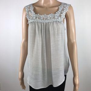 Harve Benard sleeveless blouse size Small